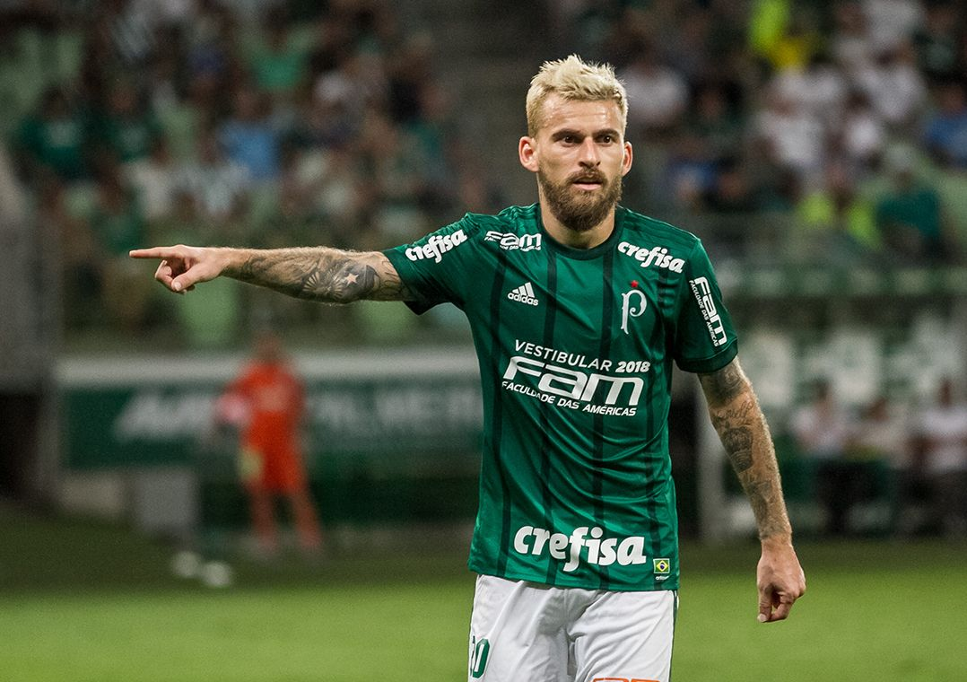 Lucas Lima comemora estreia com gol e vitória e prevê melhora