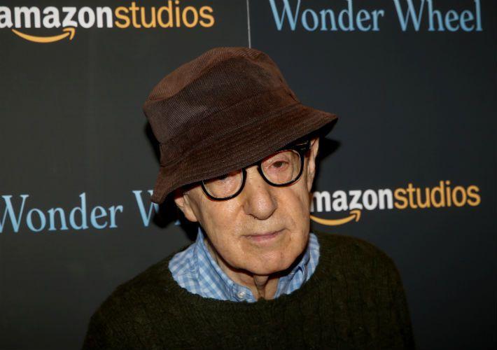 Woody Allen responde acusação de abuso feita pela filha adotiva
