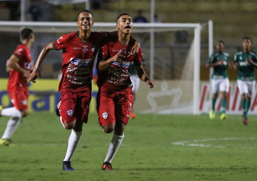 Portuguesa elimina Palmeiras nos pênaltis e avança à semi da Copinha