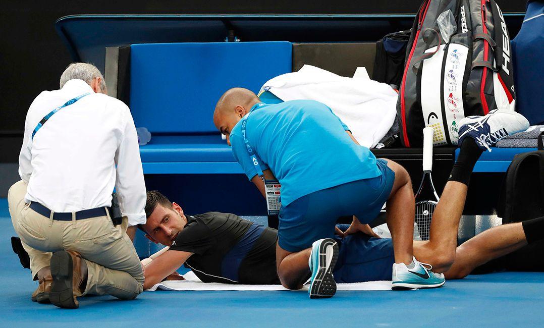 Djokovic minimiza problema físico após vaga nas oitavas