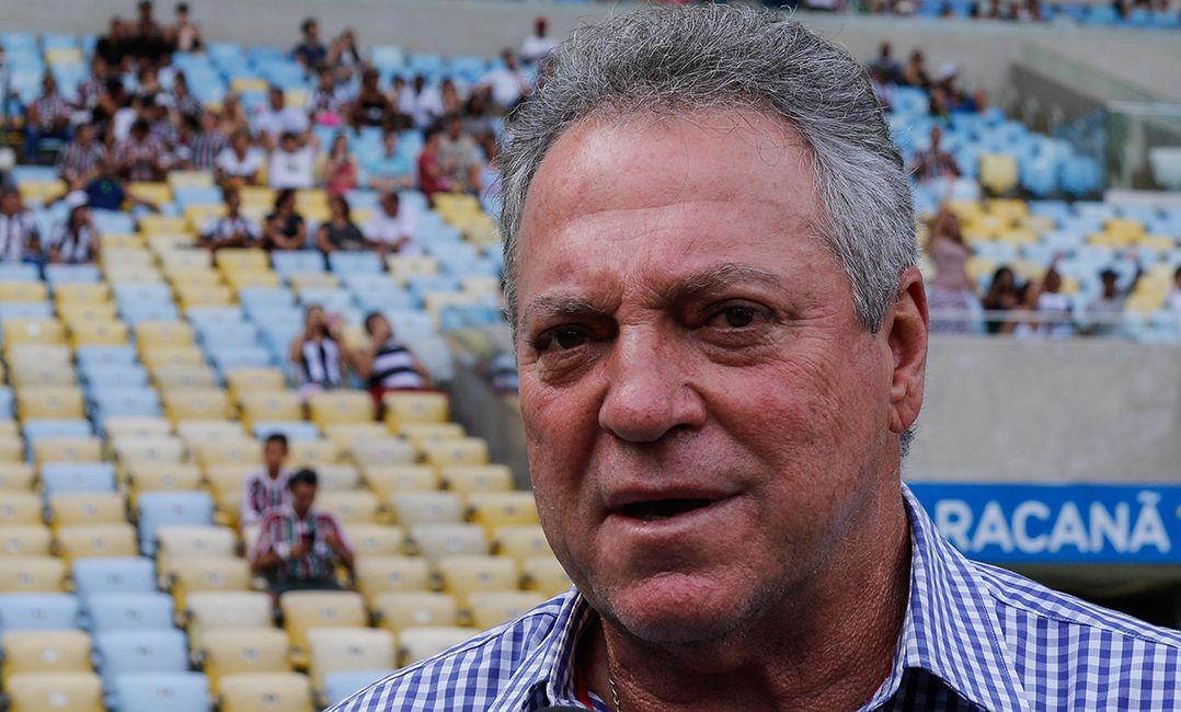 Abel diz que Henrique Dourado não joga mais pelo Fluminense