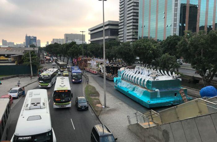 A pista central da Avenida Presidente Vargas está interditada / (Foto: Vinícius Fernandes)