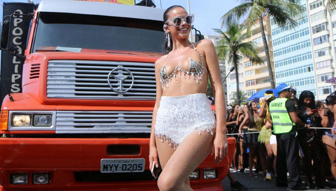 Bruna Marquezine exibiu sua boa forma