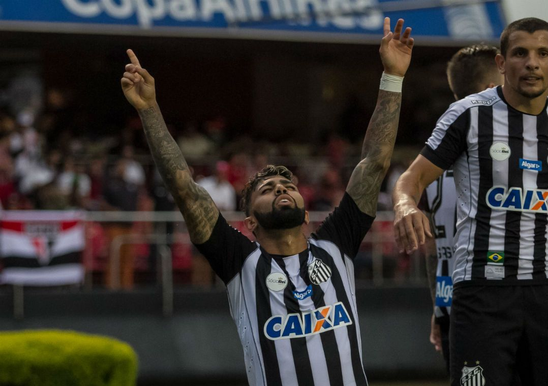 Gabigol marca e Santos vence São Paulo no Morumbi