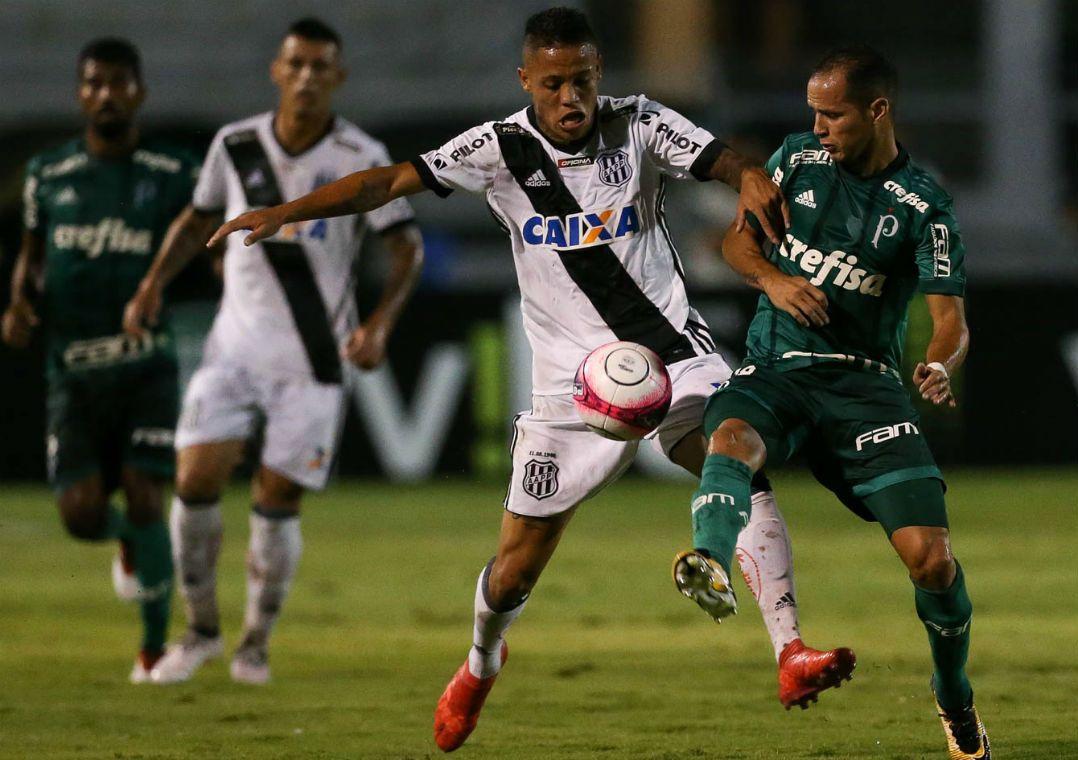 Ponte Preta freia Palmeiras em casa com empate