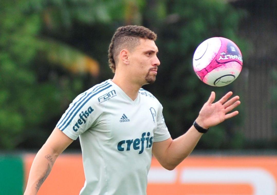 Moisés e Dracena treinam no Palmeiras e podem jogar o dérbi