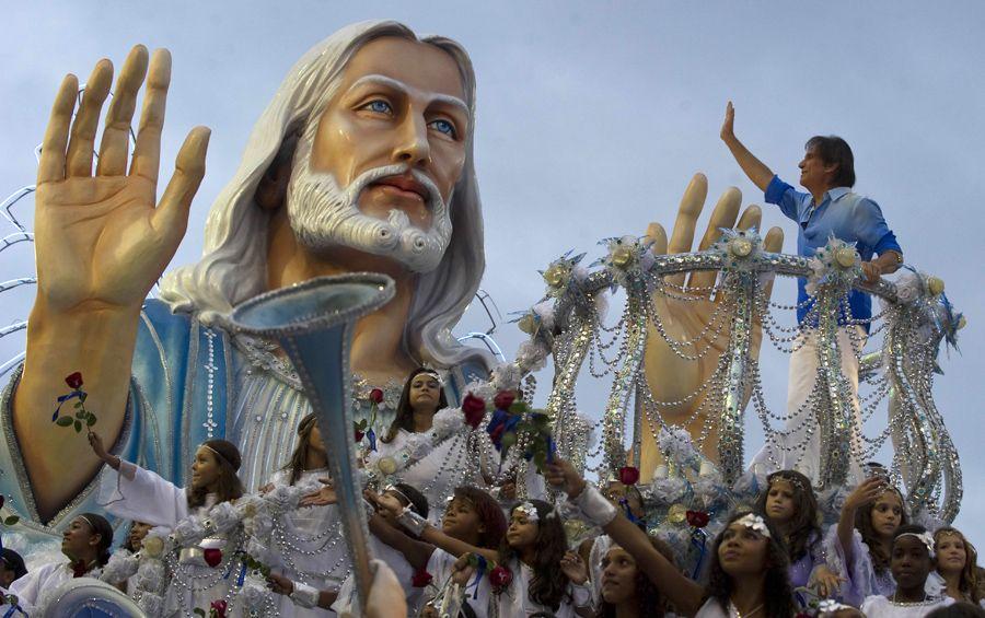 Escolas campeãs do Carnaval 2011 devem repetir o sucesso na Avenida