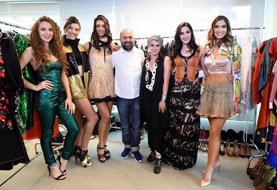 Candidatas ao Miss SP fazem prova de roupas