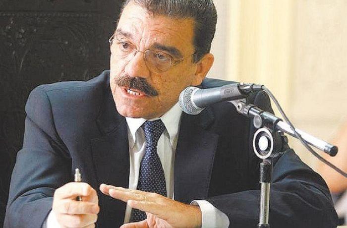Deputado Átila Nunes vai entrar com ação no MP contra Crivella