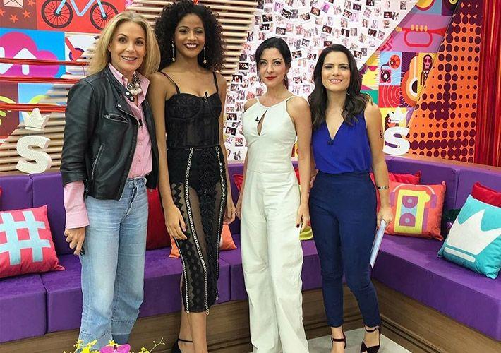 Carolina Ferraz, Monalysa Alcântara, Ana Paula Padrão e Natália Leite na estreia do SuperPoderosas / Band