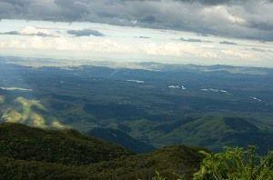 A segunda-feira amanheceu entre nuvens e com temperaturas mais baixas / Laurene Santos