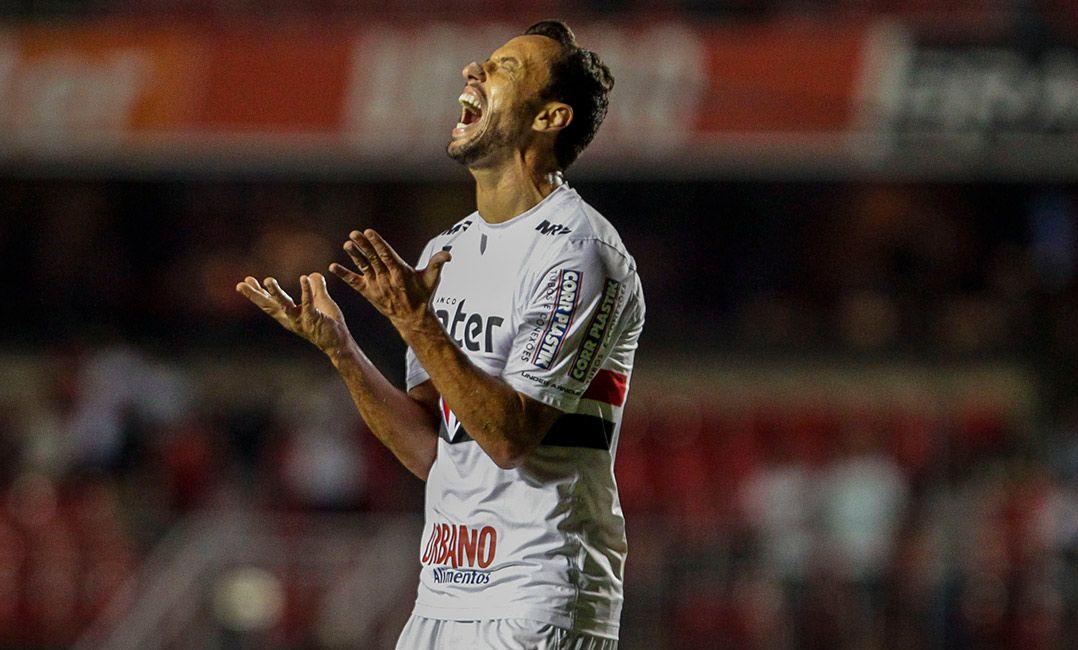 São Paulo cochila no 2º tempo e está eliminado da Copa do Brasil