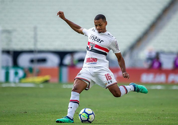 Sem entusiasmar, São Paulo fica no empate sem gols contra o Ceará