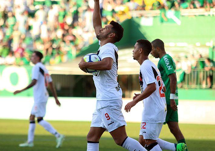 Em Santa Catarina, Chapecoense e Vasco ficam no empate por 1 X 1