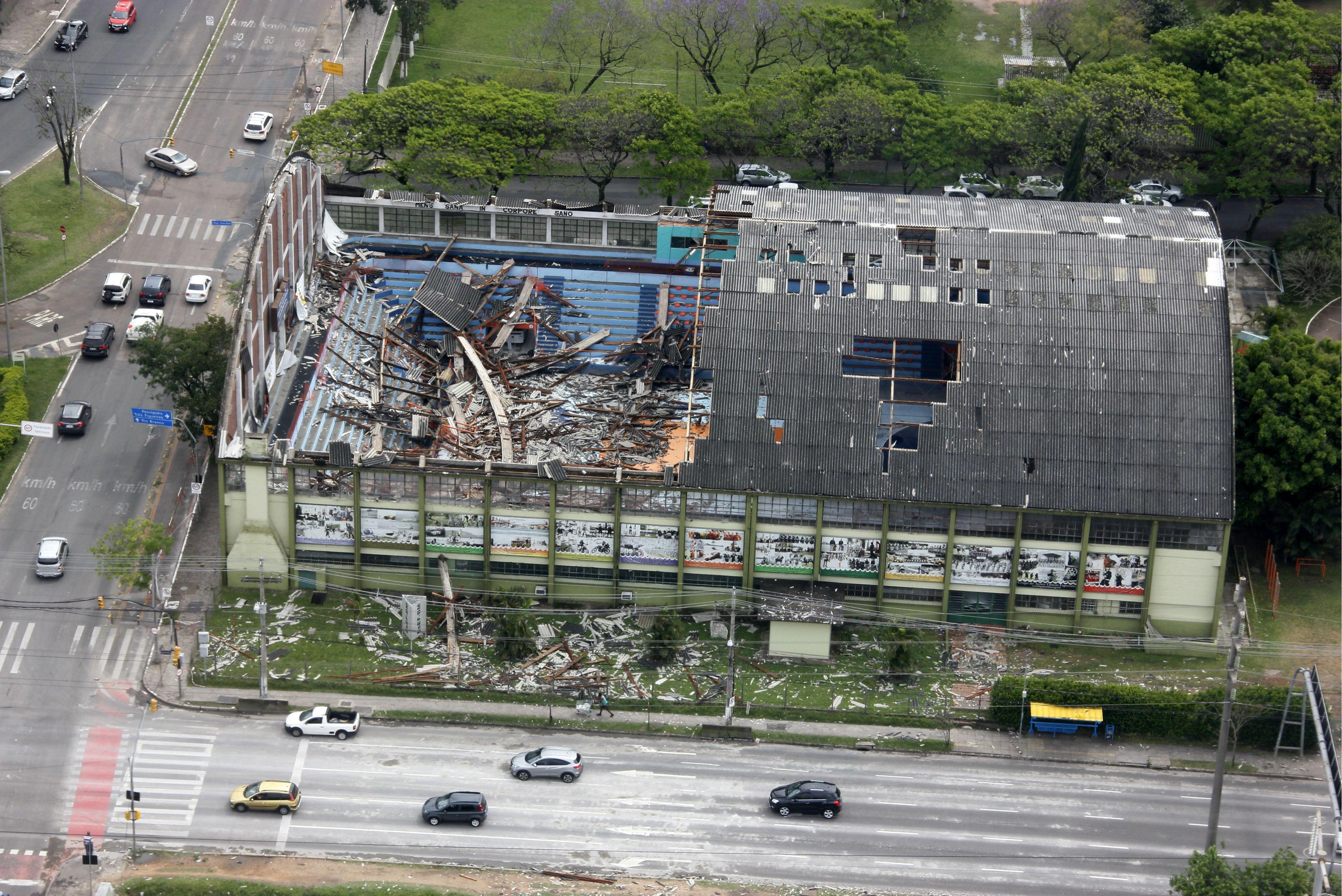 Ministério do Trabalho suspende demolição do Ginásio da BM