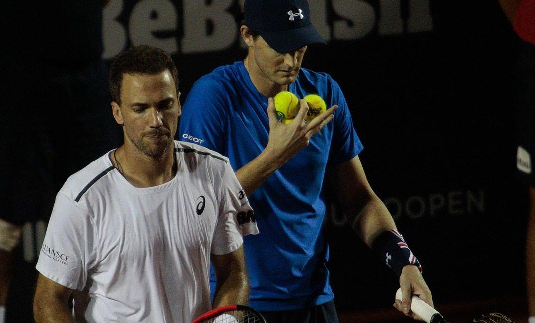Soares/Murray cai na estreia para lucky-lose