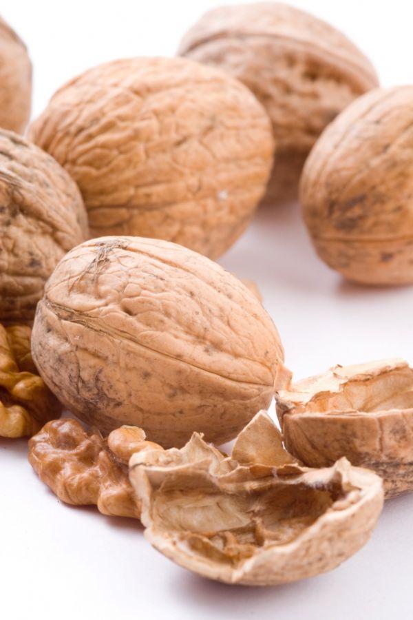 As nozes contêm vitamina B, essencial para a proteção do cabelo / Foto: stock.xchng