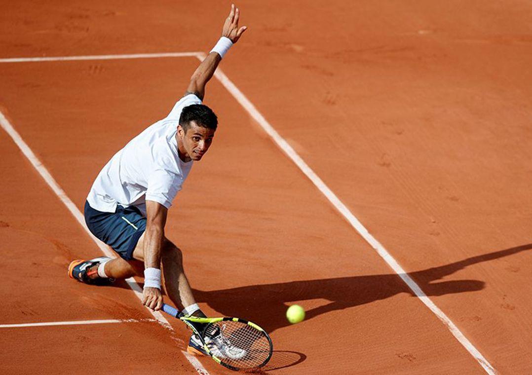 Rogerinho vence na estreia do quali de Roland Garros