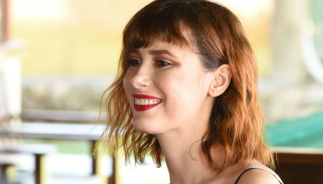 Makeup artist revela sete erros imperdoáveis em uma make de miss