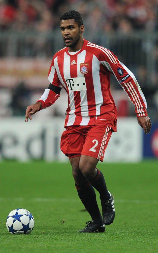 Breno já foi jogador do São Paulo e estaria com vontade de voltar ao Brasil / Foto: Christof Stache/AFP