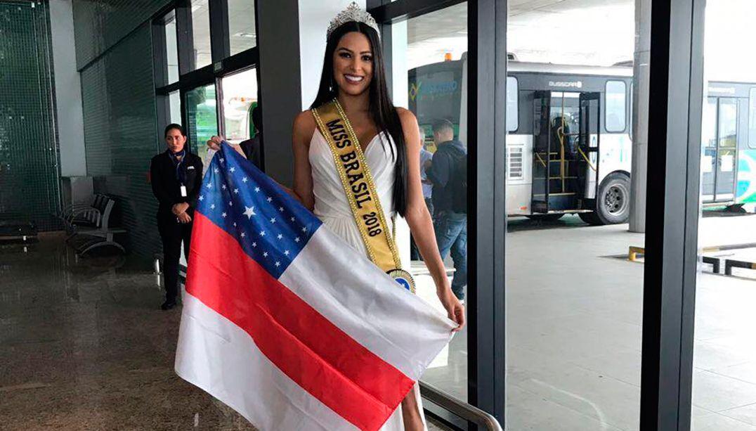 Mayra Dias volta ao Amazonas após conquistar coroa de Miss Brasil
