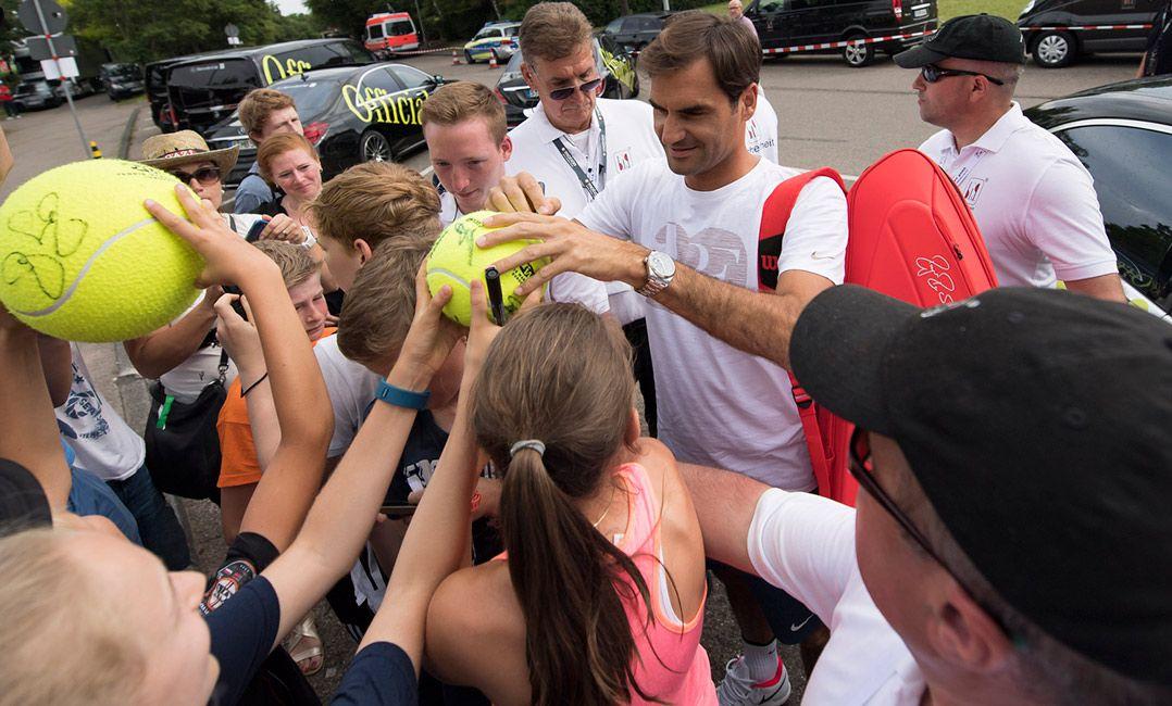 Federer exalta Nadal após Roland Garros: Temos de reverenciá-lo