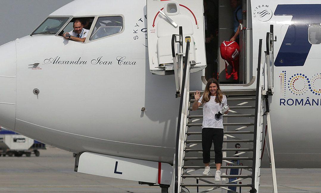 Após ganhar Roland Garros, Halep é recebida por 20 mil romenos