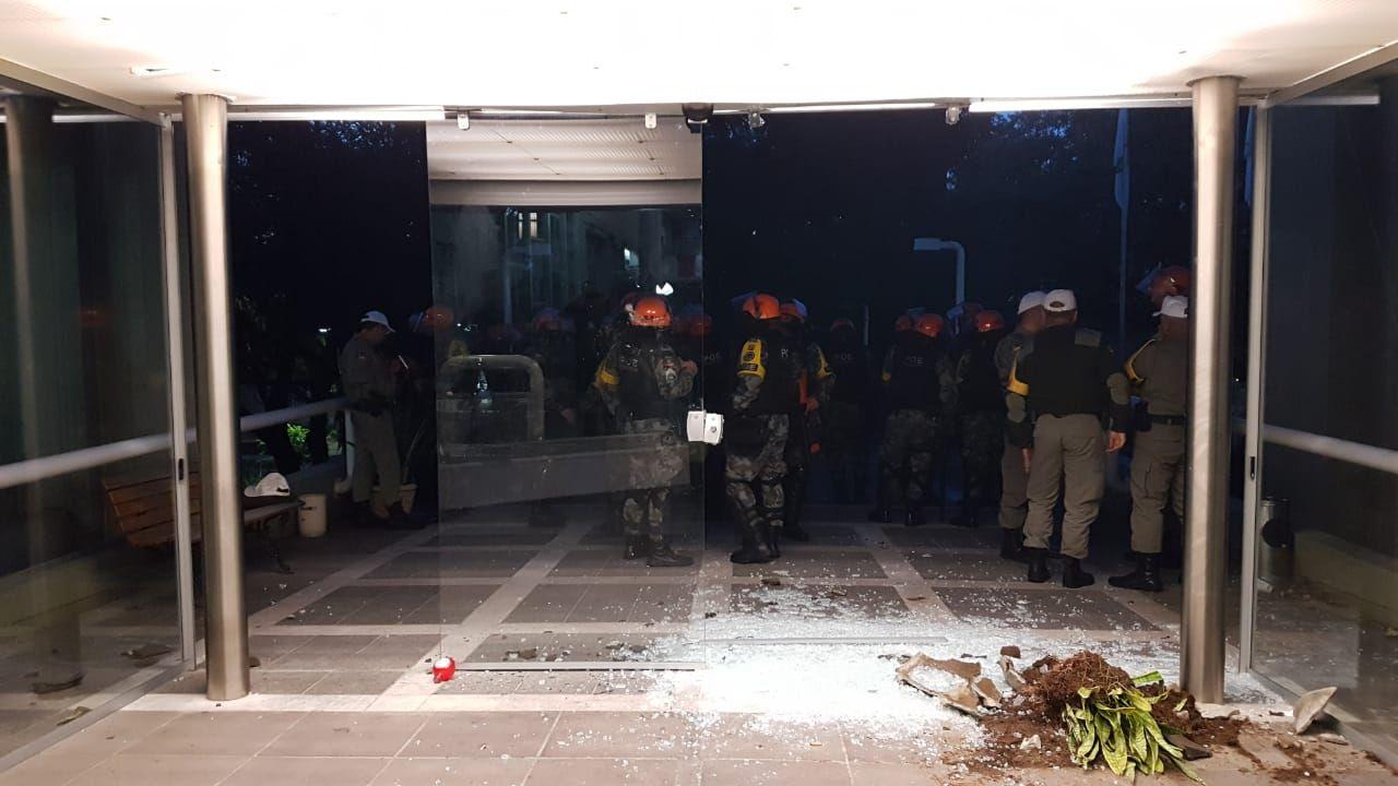 Tumulto na Câmara de Vereadores  / Eduardo Uhlmann