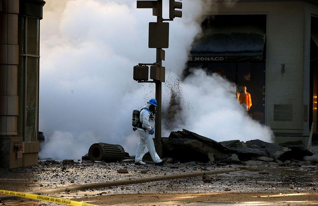Prédios de NYC são esvaziados após explosão causada por vapor