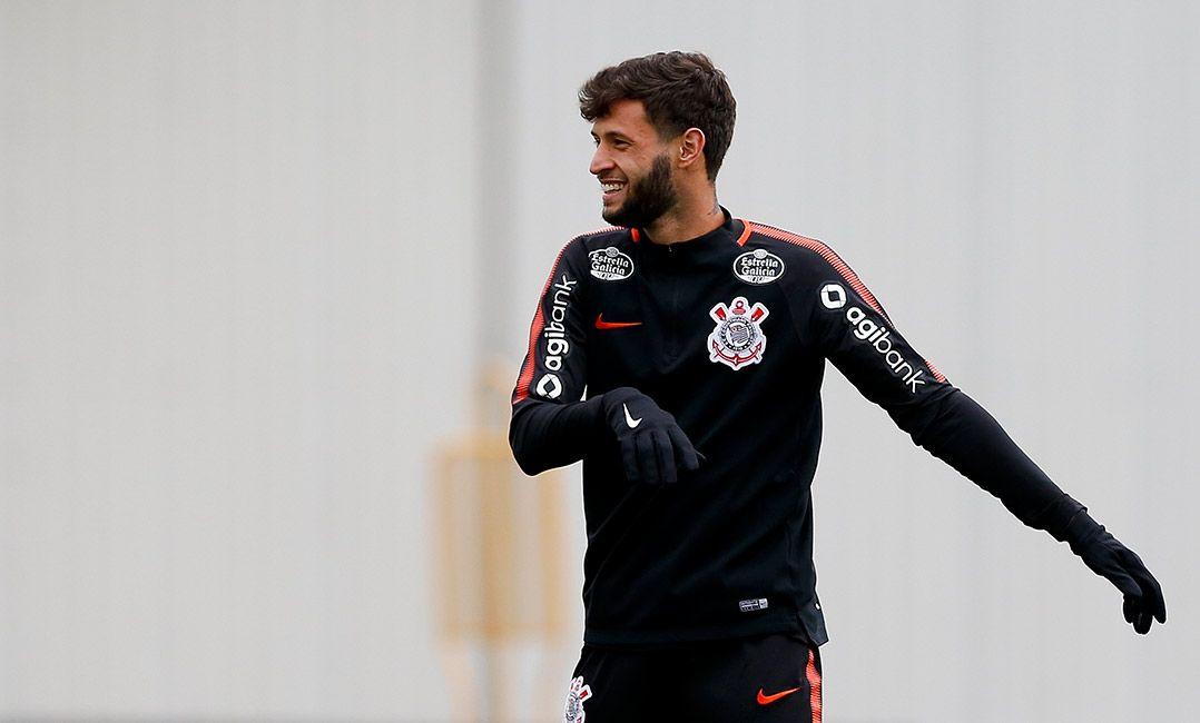 Sem espaço no Corinthians, Juninho Capixaba é emprestado ao Grêmio