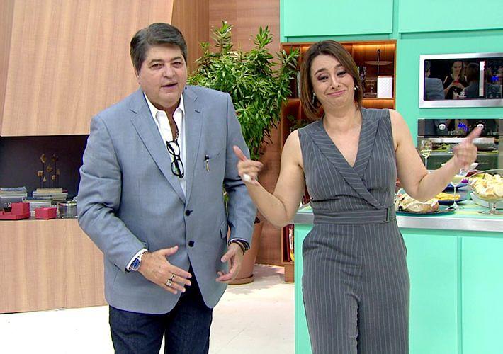 Datena mostra toda sua ginga com Catia Fonseca
