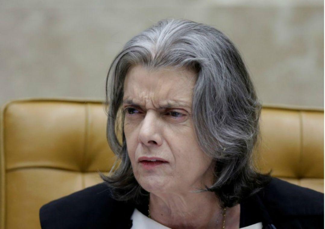 Cármen Lúcia: sofro preconceito por ser mulher