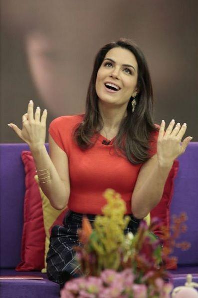 Natalia Leite é a apresentadora do Superpoderosas / Divulgação / Band