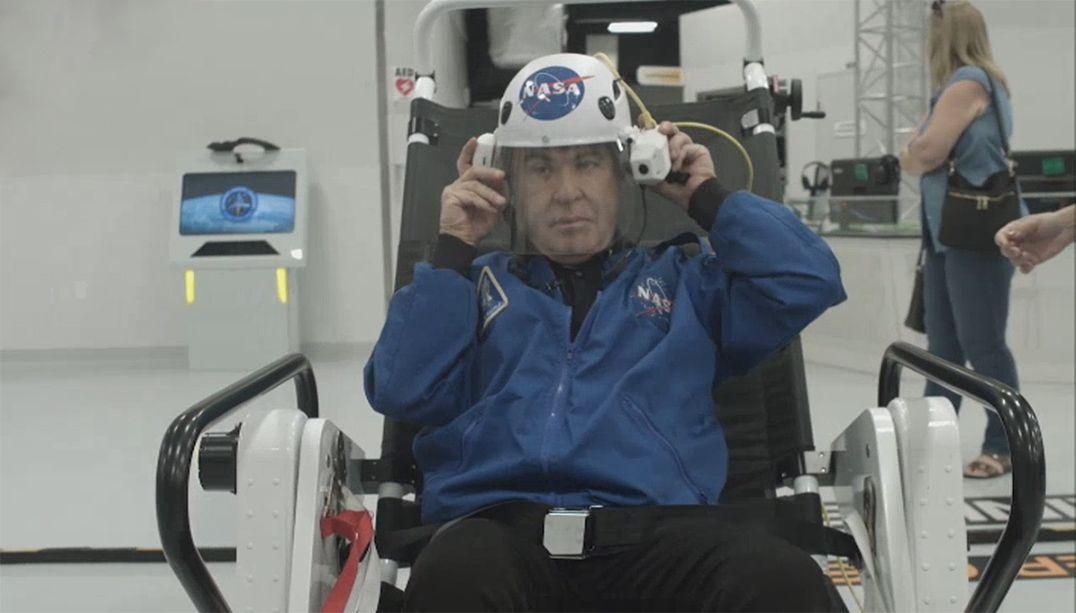 Amaury Jr. conhece atração da NASA que simula viagem a Marte