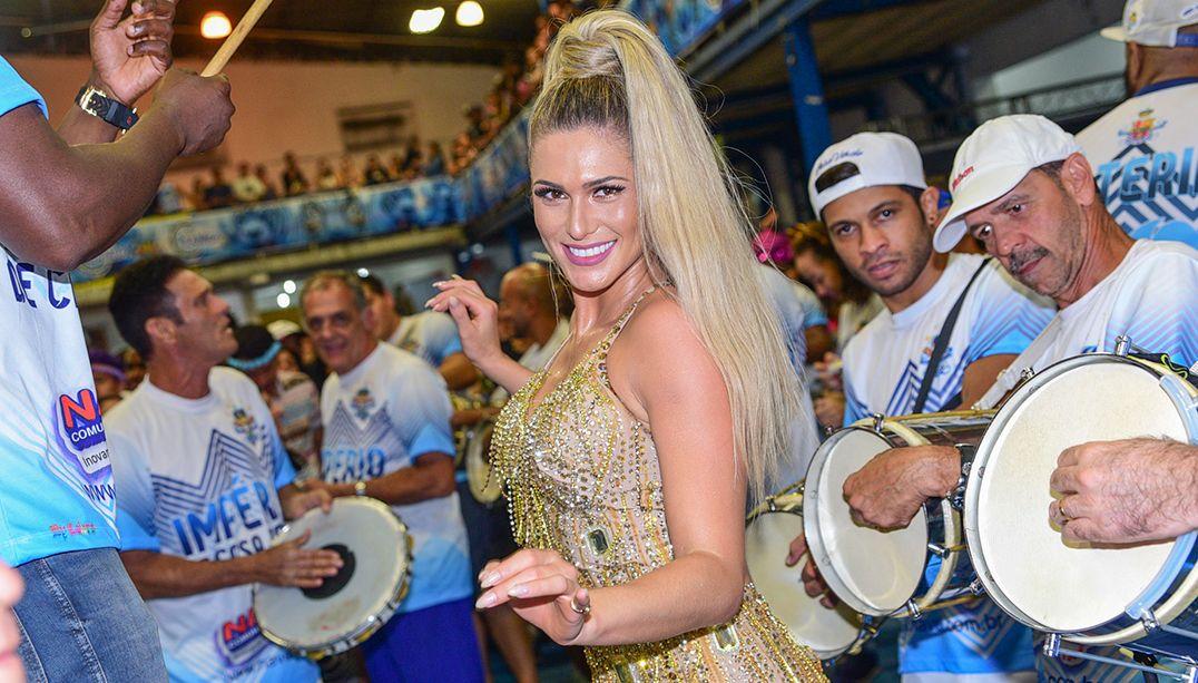 Lívia Andrade é eleita nova musa da Paraíso do Tuiuti