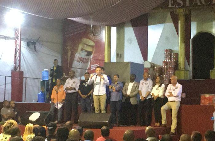 Crivella usa máquina pública para fazer campanha eleitoral