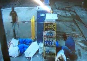 Frentistas são agredidos em assalto em Pindamonhangaba