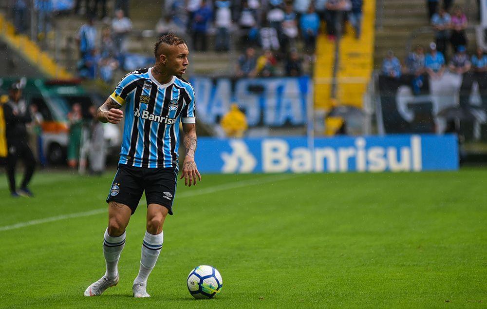 Everton será reforço importante nesta rodada (Foto  Rodrigo Ziebell Estadão  Conteúdo) d3b403abb6549