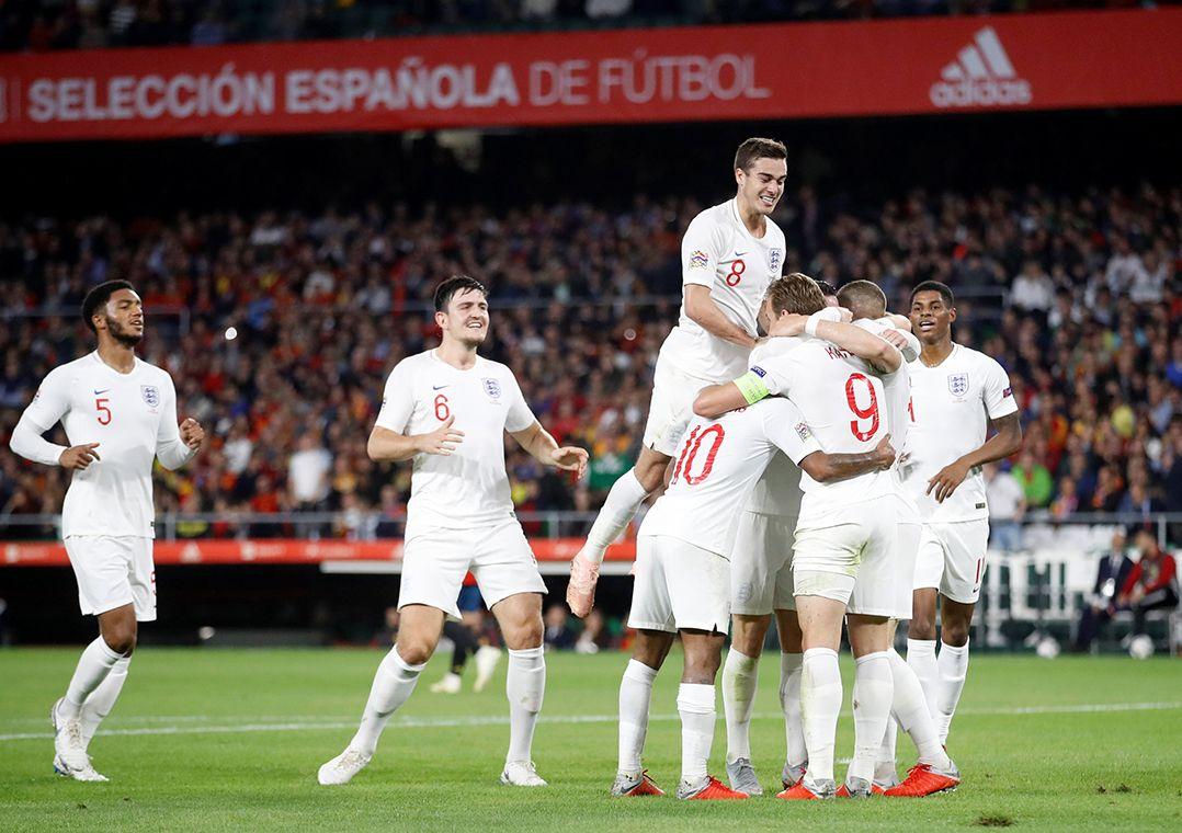 8b8353904a Inglaterra devolveu a derrota sofrida diante dos espanhóis na estreia em  Wembley (Foto  Carl Recine Reuters)