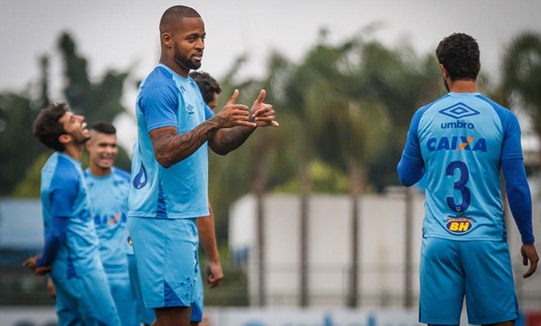 Dedé minimiza retrospecto do Cruzeiro como visitante e prega raça