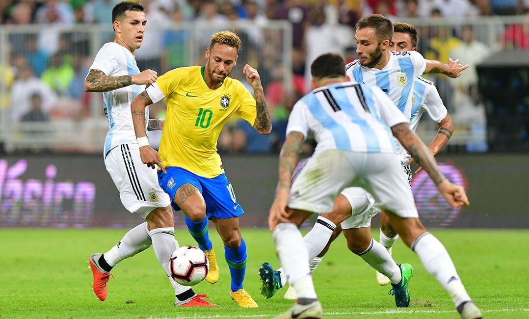 Jornal argentino provoca e faz minuto a minuto das quedas de Neymar