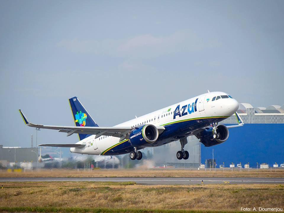 Avião faz pouso forçado após ser atingido por raio em Minas Gerais