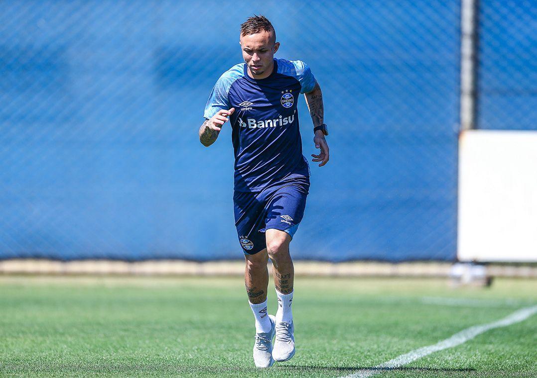 Renato confirma Luan e Everton fora contra o River Plate