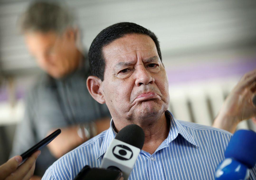 Resultado de imagem para Lorenzoni terá de deixar futuro governo se for comprovada 'ilicitude', diz Mourão