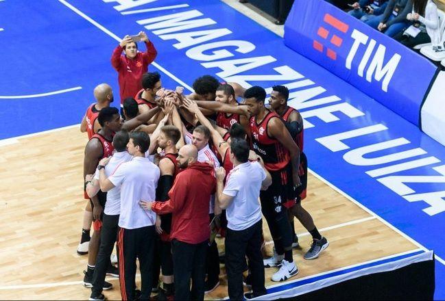 Time do Flamengo reunido / Divulgação / LNB