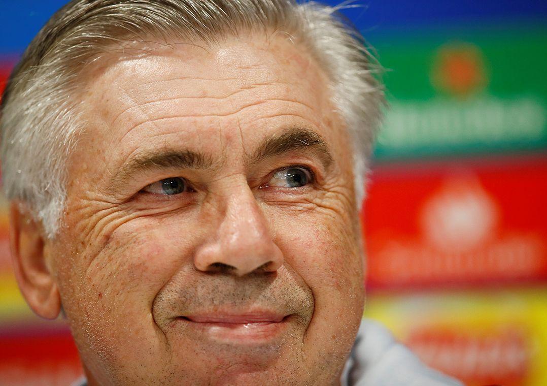 Ancelotti diz que Napoli não será medroso em Liverpool