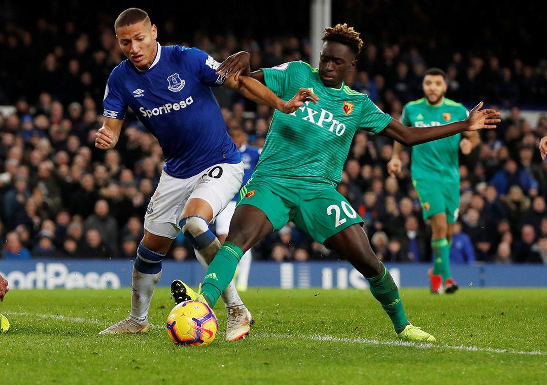 Richarlison marca e Everton arranca empate com o Watford