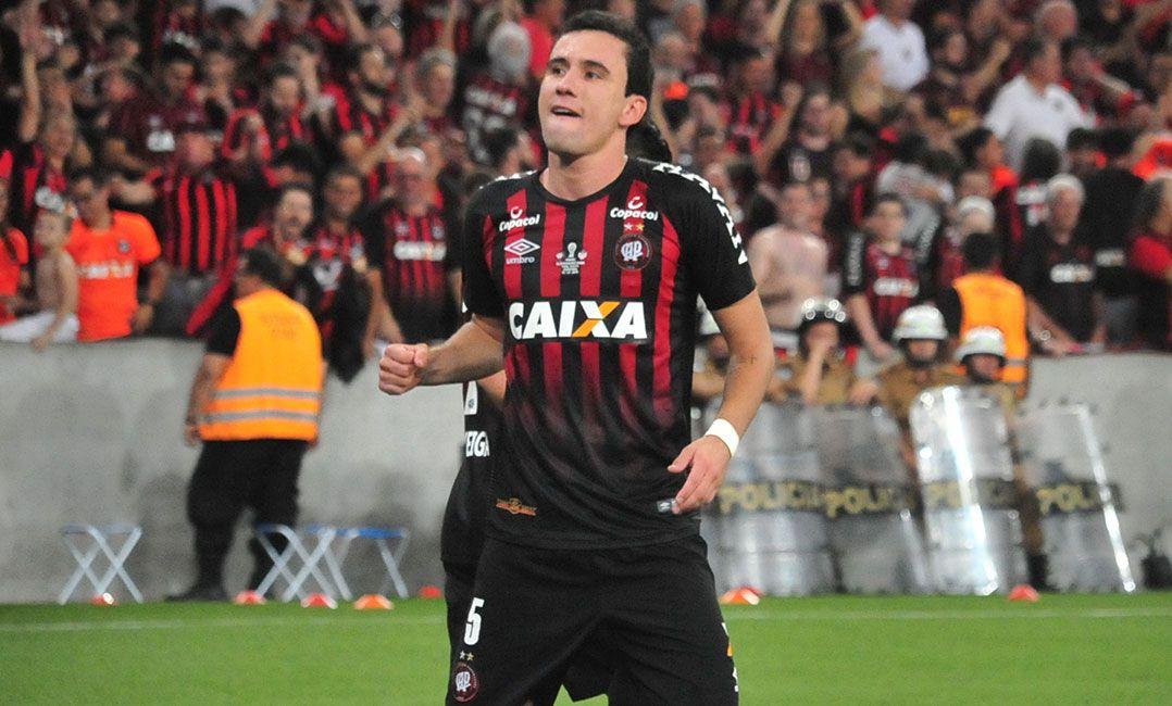 Athletico-PR não confirma acerto de Pablo com São Paulo