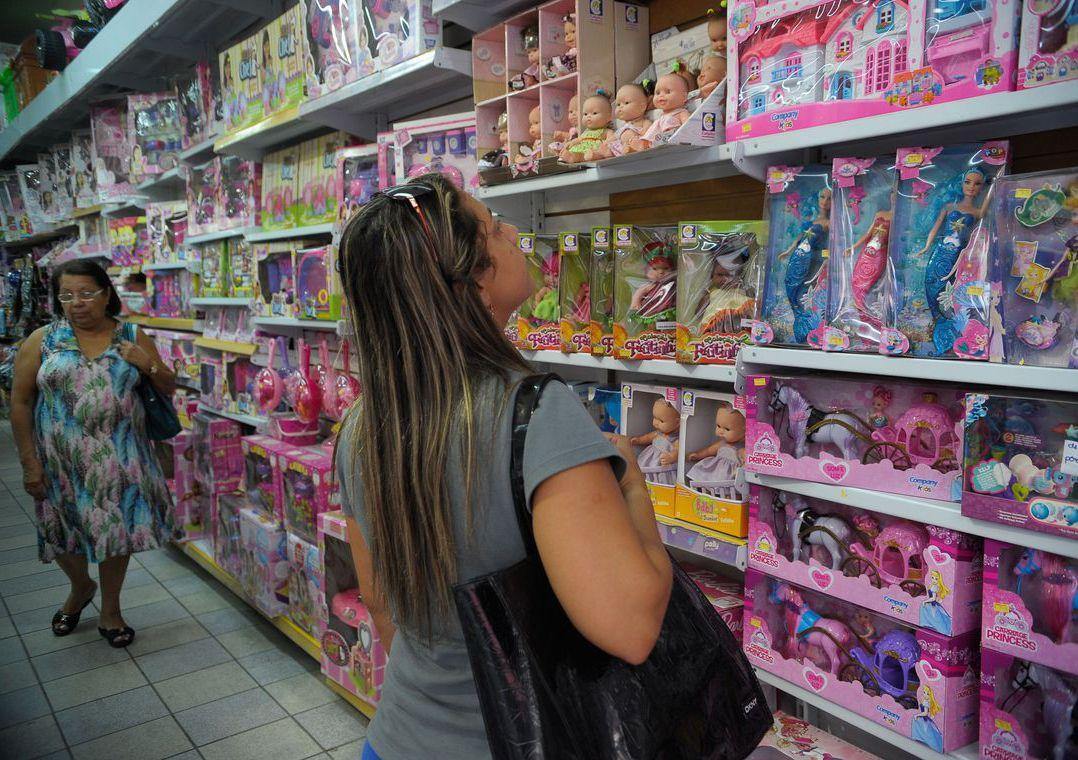 7ec78a803 Uma medida importante é adquirir brinquedos vendidos em lojas que tenham  controle de nota fiscal (Foto: Fernando Frazão/Agência Brasil)