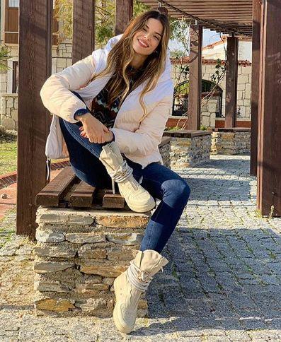 Larissa Gacemer é a brasileira da novela / Divulgação